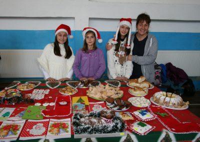 Christmas Bazaar 2014 SOU Pirdop (21)